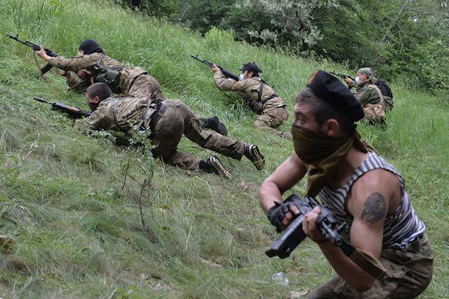 Боевики бесчеловечно хоронят российских военных