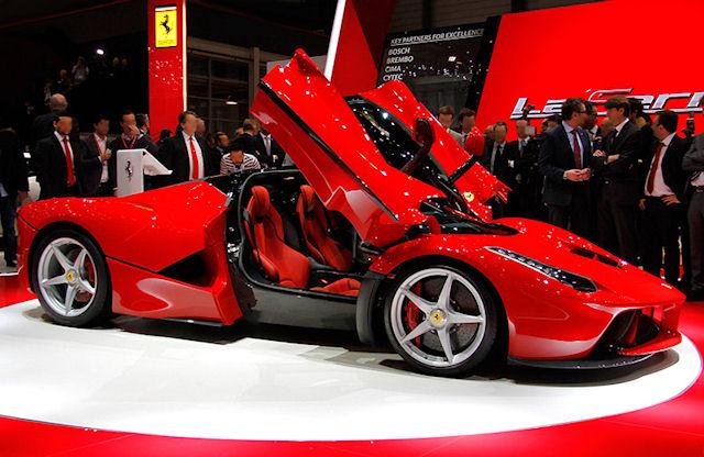 Спортивный автомобиль Ferrari для всех