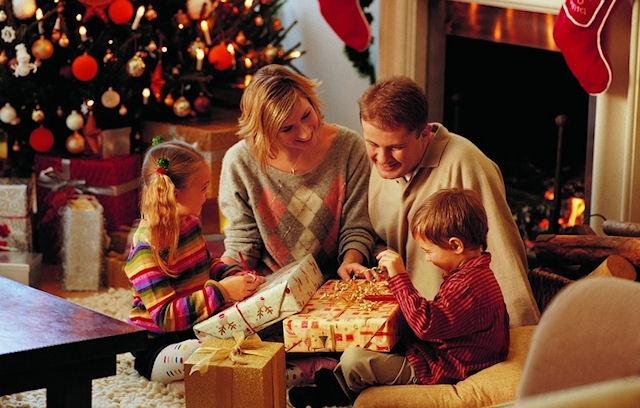 Кому и что дарить на Новый год