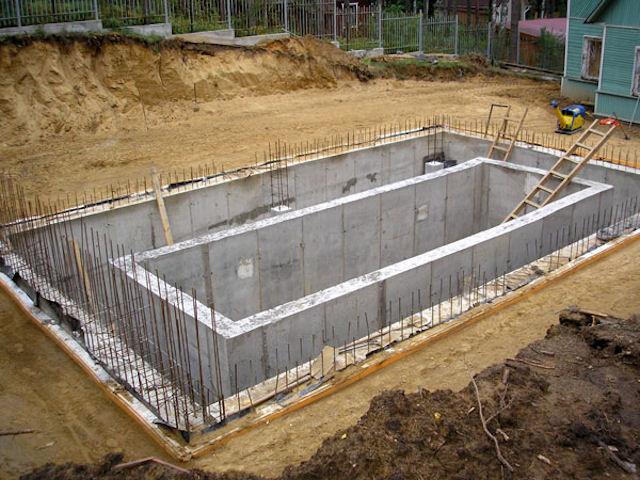 Постройка бассейна из бетона