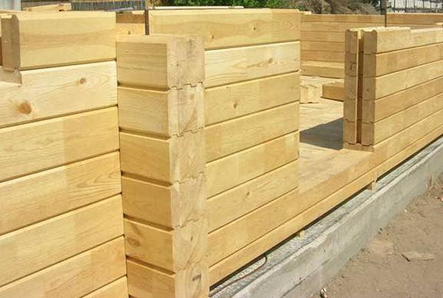 Преимущества использования профилированного бруса при строительстве