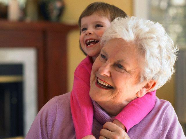 Роль бабушек и дедушек в воспитании ребёнка
