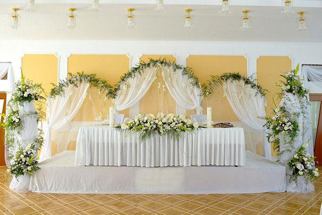 Украшение для свадебного помещения
