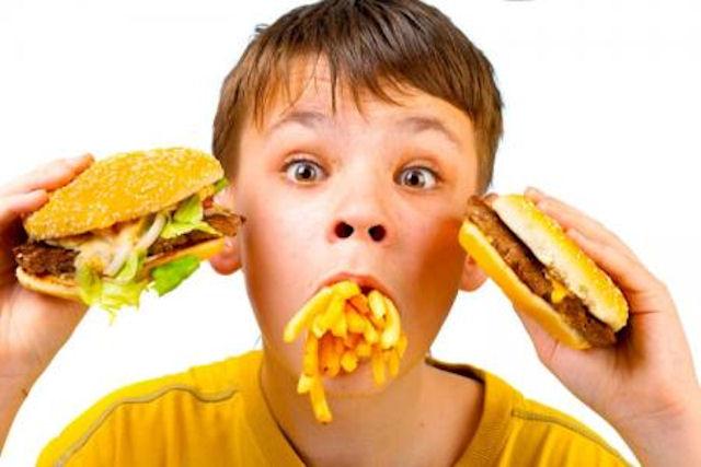 Как воспитать у ребенка привычку к здоровой пище?