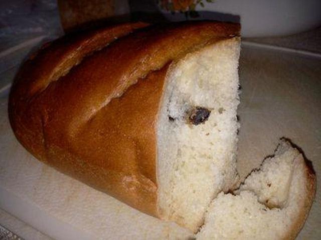 В запорожском супермаркете хлеб продавали с бонусом в виде живой мышки