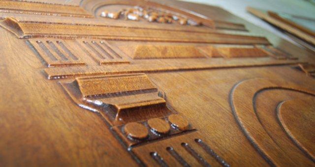 Преимущества и особенности обивки дверей ПВХ панелями