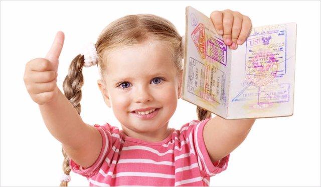 Все необходимые документы на загранпаспорт ребенка
