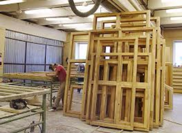 Тонкости изготовления деревянных окон в фабричных условиях