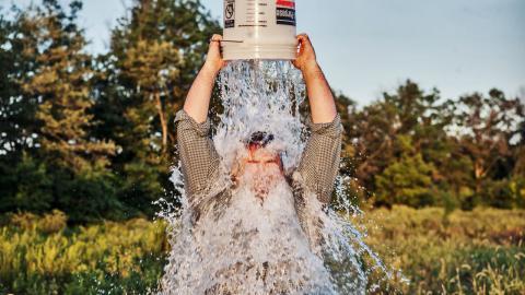 Благодоря Ice Bucket Challenge ученые совершили научный прорыв