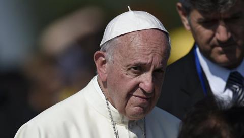 Папа Римский: Мир находится в состоянии войны, он расколот на части...