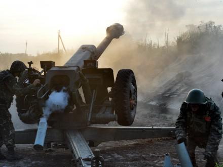 За прошедшие сутки боевики 44 раза обстреляли позиции сил АТО
