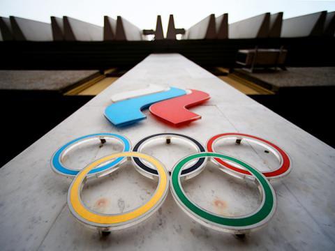 Сборную России по тяжелой атлетике полностью отстранили от Олимпиады