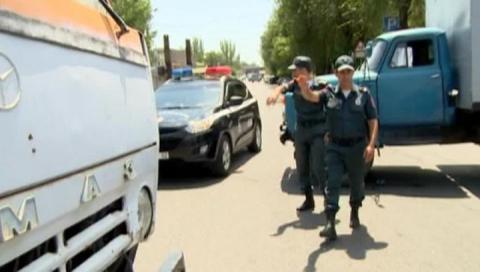 В Ереване освободили медиков-заложников