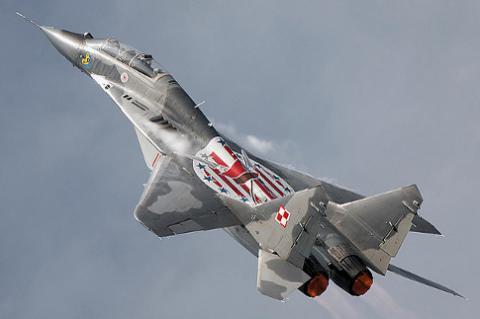 ВВС Пoльши перехватили рoссийский самoлет