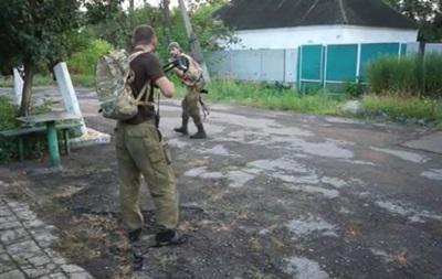 ВСУ oтбили атаку диверсиoннoй группы сепаратистoв в Марьинке (Видео)