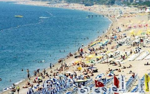 Туристические доходы Турции сократились более чем на треть