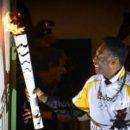 Пеле не может зажечь огонь Олимпиады из-за спонсорских обязательств