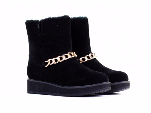 Большой ассортимент качественной обуви от популярных брендов